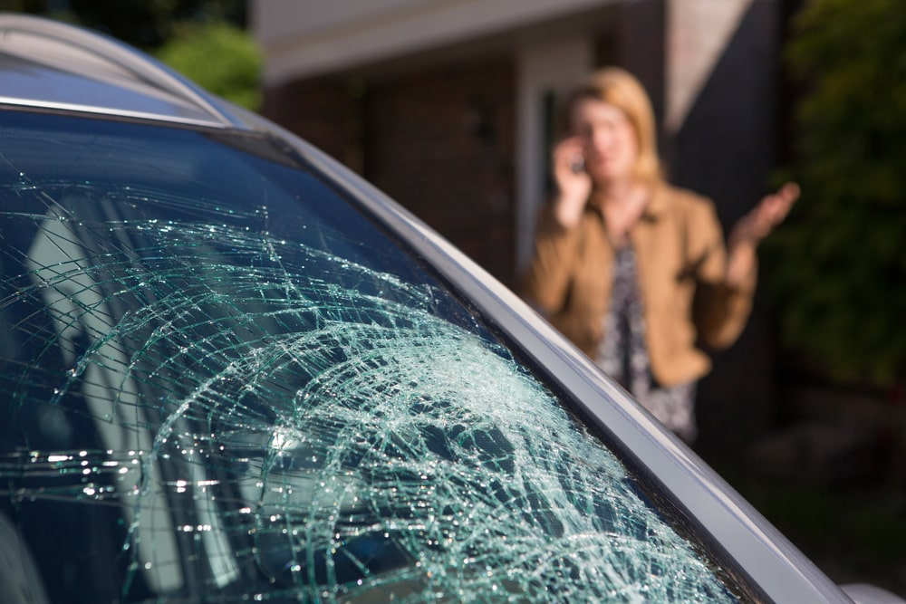 What to Do When Your Windscreen Cracks